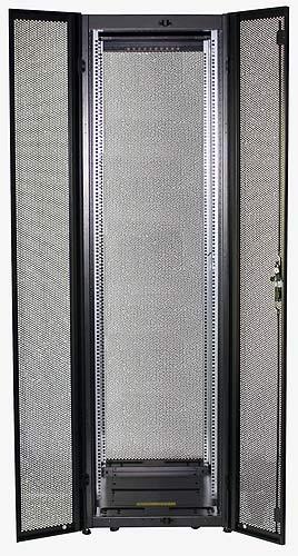 Widok szafy z otwartymi drzwiami