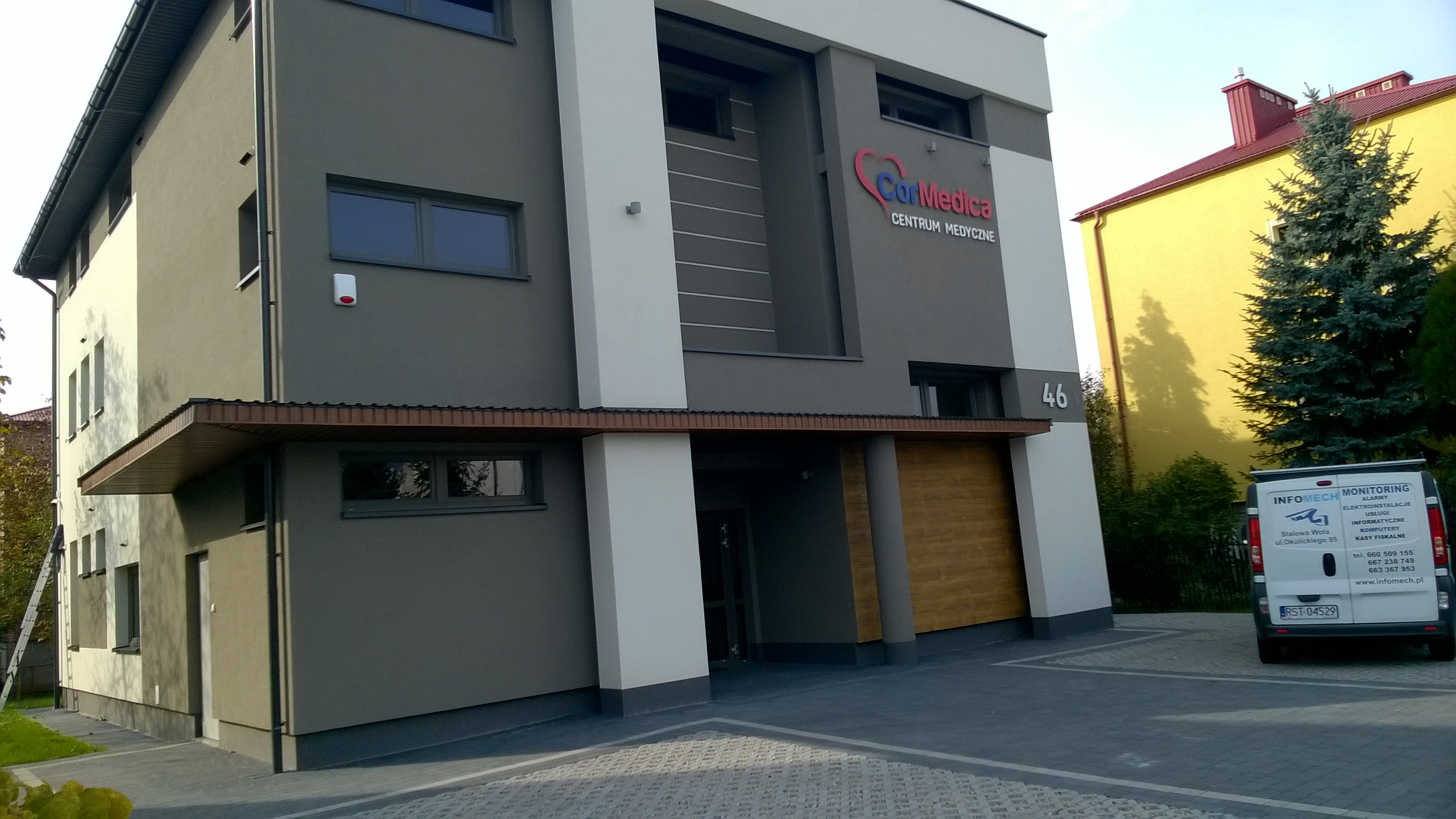 Instalacje niskoprądowe i komputerowe w centrum medycznym COREMEDICA w Stalowej Woli