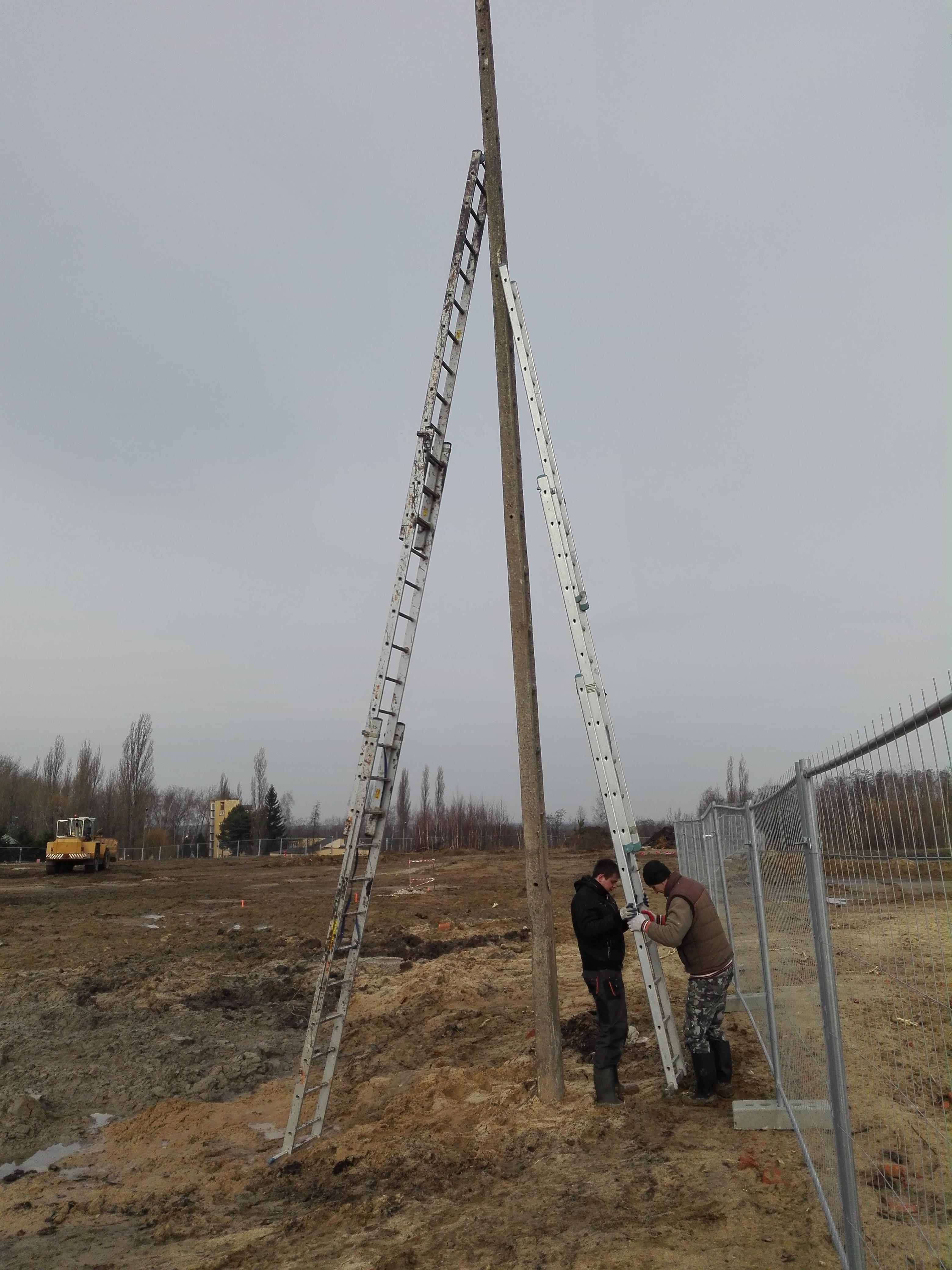 monitoring placu budowy fabryki schollglas w tarnobrzegu -- kamery hikvision