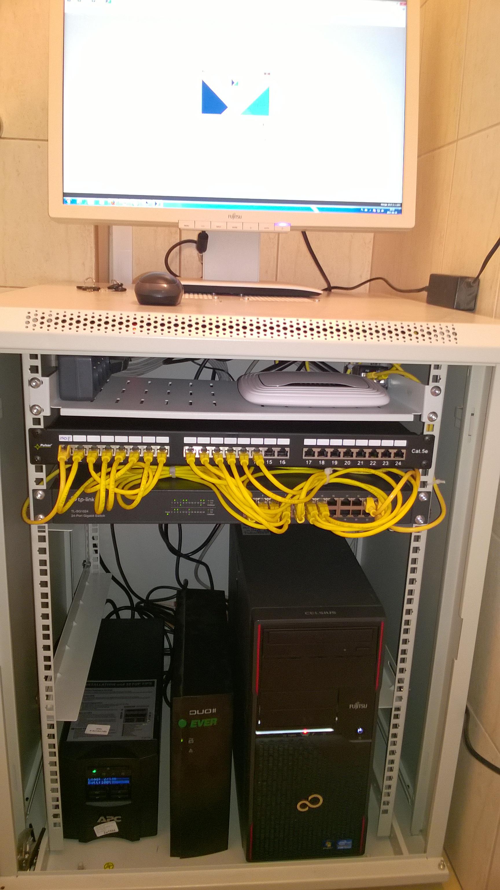 Wykonaliśmy strukturalną sieć komputerową LAN w firmie ROLMAX - nowy Serwer +COMARCH OPTIMA - nowe nadajniki GSM
