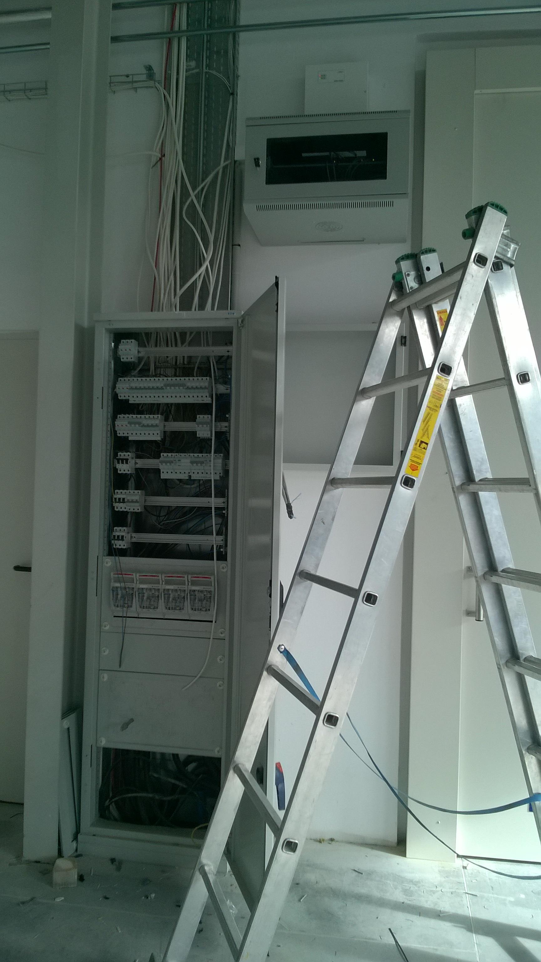 Wykonaliśmy sieć LAN, Monitoring, Alarm, KD oraz instalację elektryczną w gabinecie lekarskim Kraśnik